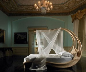 Irish designer Joseph Walsh has created this truly stunning canopy bed, creating a sp...