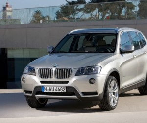 The design of the new BMW X3 conveys elegance, agility and ruggedness. Up front, the